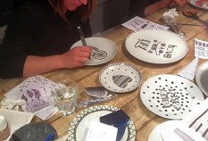 workshop handlettering op servies